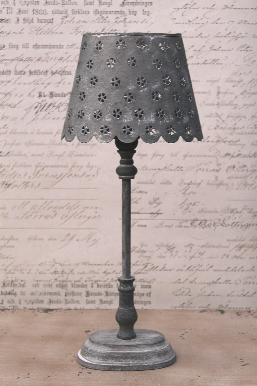 zink lampe tischlampe metall nachttischlampe antik shabby vintage landhaus grau ebay. Black Bedroom Furniture Sets. Home Design Ideas